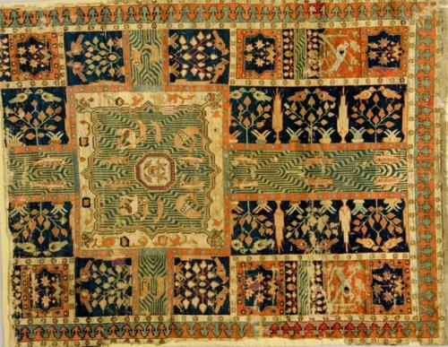 isfahan-persian-garden-on-persian-carpet